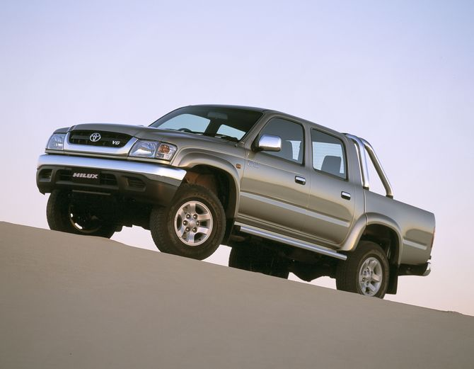 Toyota Hilux 3.4 2002 photo - 9