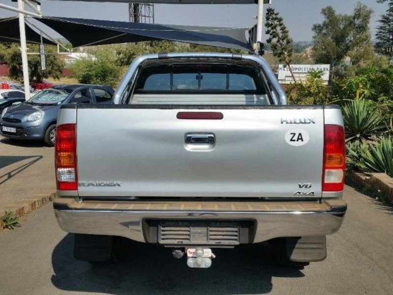 Toyota Hilux 4.0 2005 photo - 3