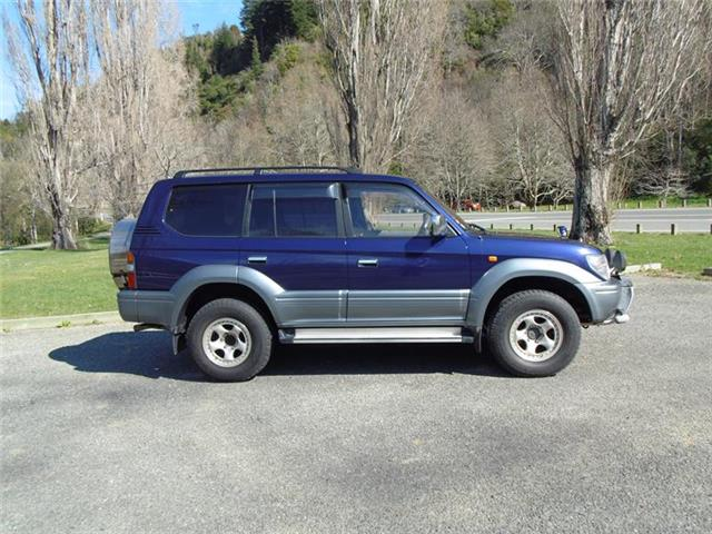 Toyota Land Cruiser Prado 2.7 1996 photo - 9