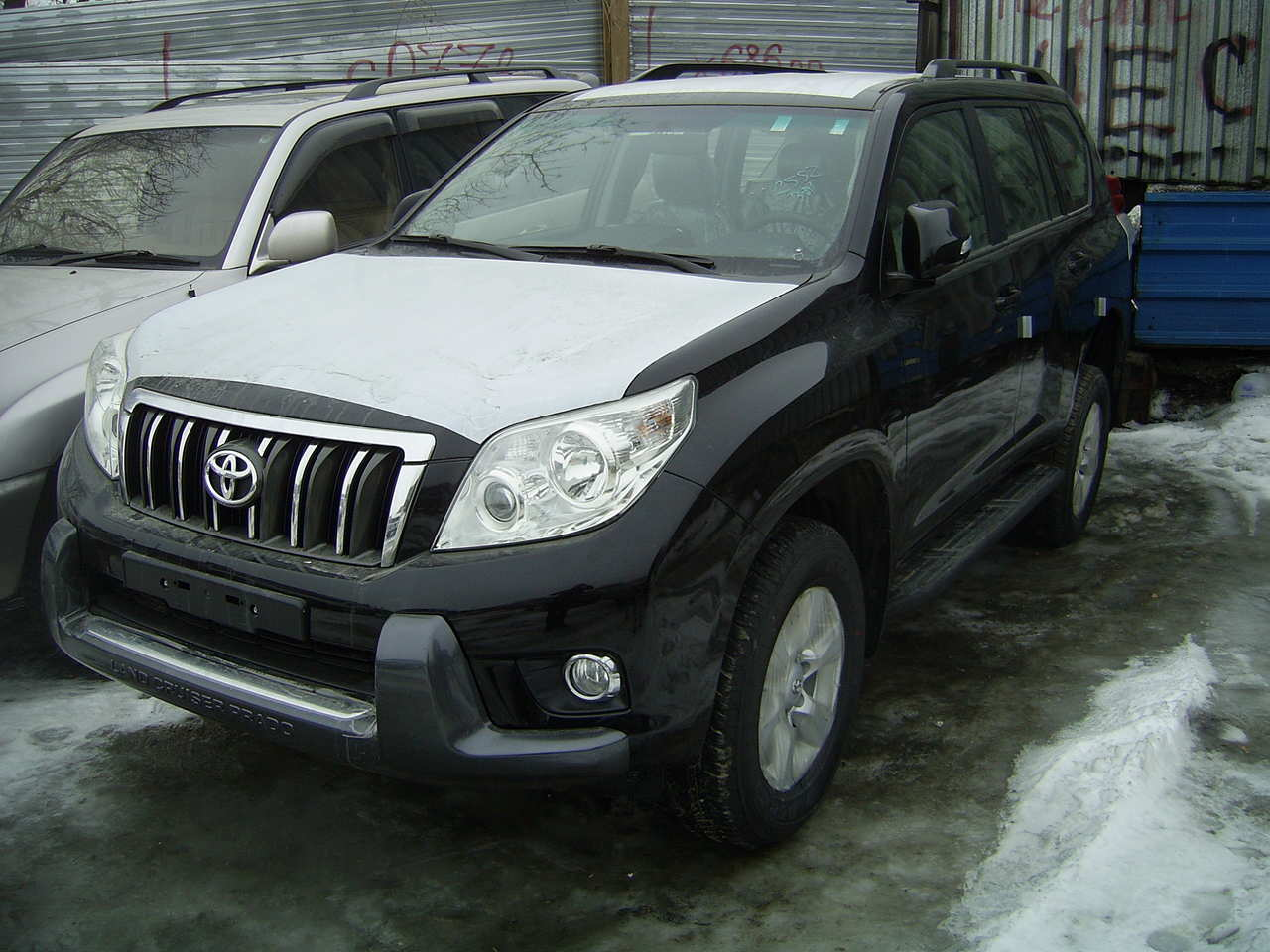 Toyota Land Cruiser Prado 2.7 2010 photo - 4