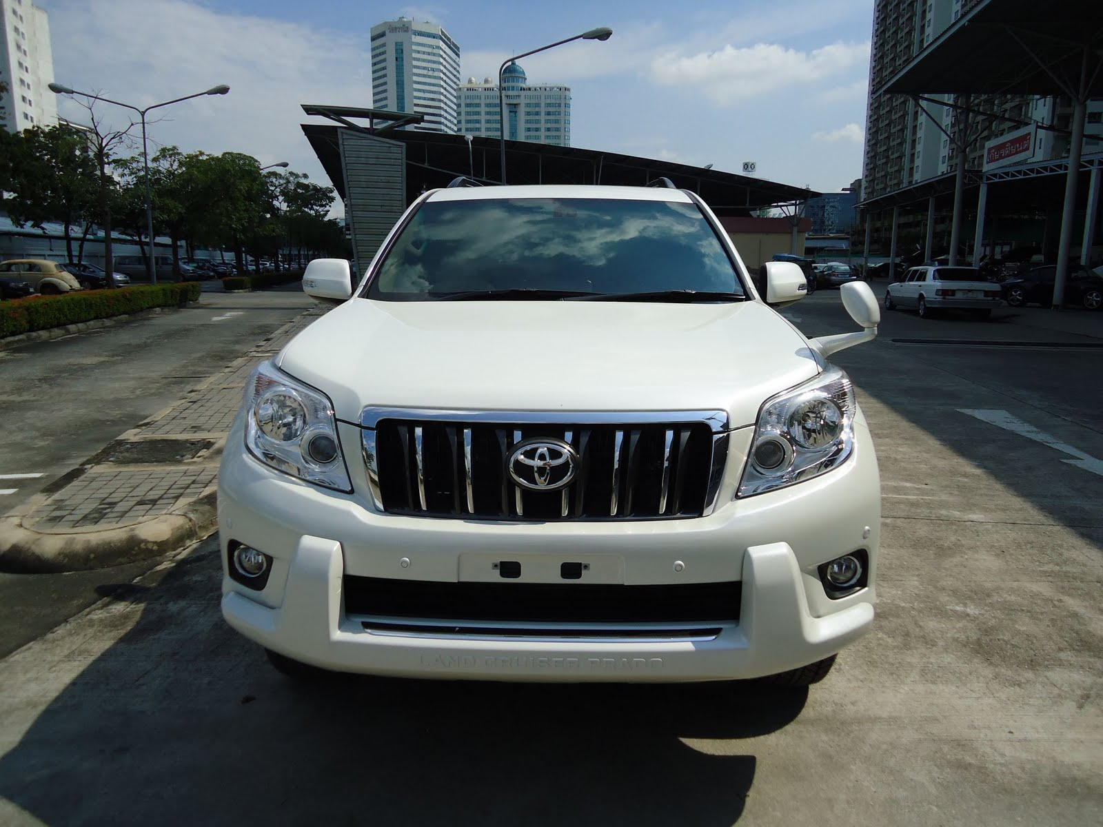 Toyota Land Cruiser Prado 2.7 2010 photo - 5