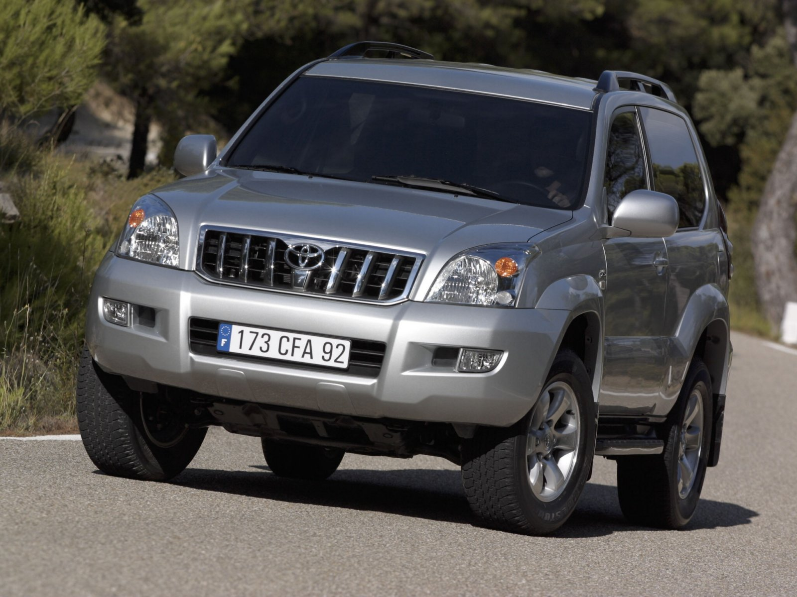 Toyota Land Cruiser Prado 3.0 2009 photo - 4