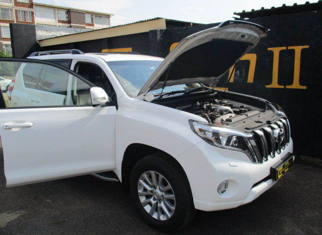 Toyota Land Cruiser Prado 3.0 2014 photo - 10