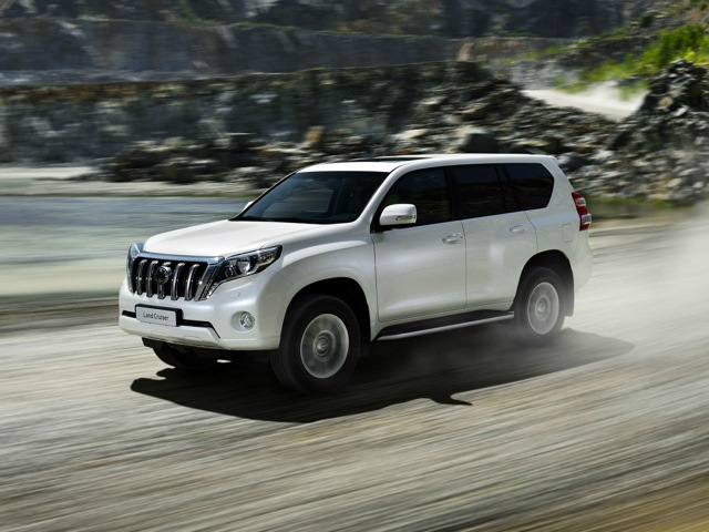 Toyota Land Cruiser Prado 3.0 2014 photo - 4