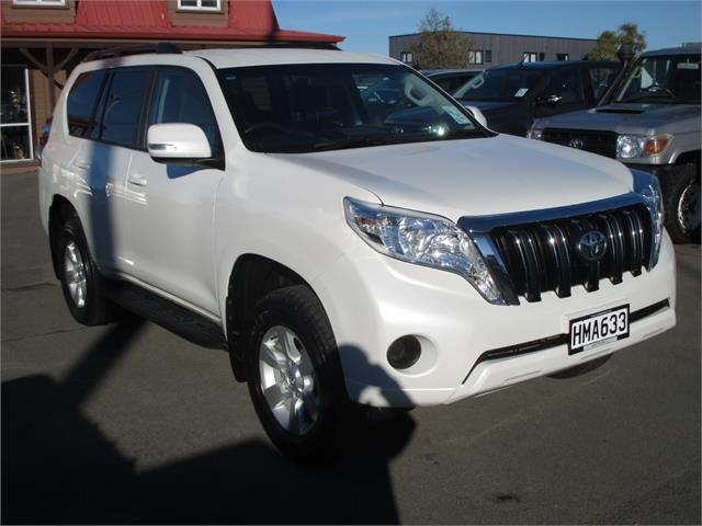 Toyota Land Cruiser Prado 3.0 2014 photo - 7