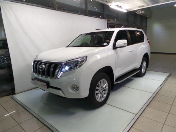 Toyota Land Cruiser Prado 3.0 2014 photo - 8
