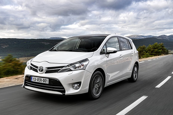 Toyota Verso 1.6 2013 photo - 10