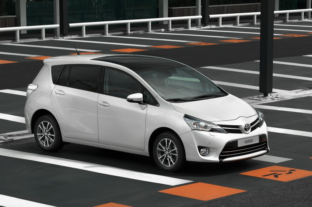 Toyota Verso 1.6 2013 photo - 8