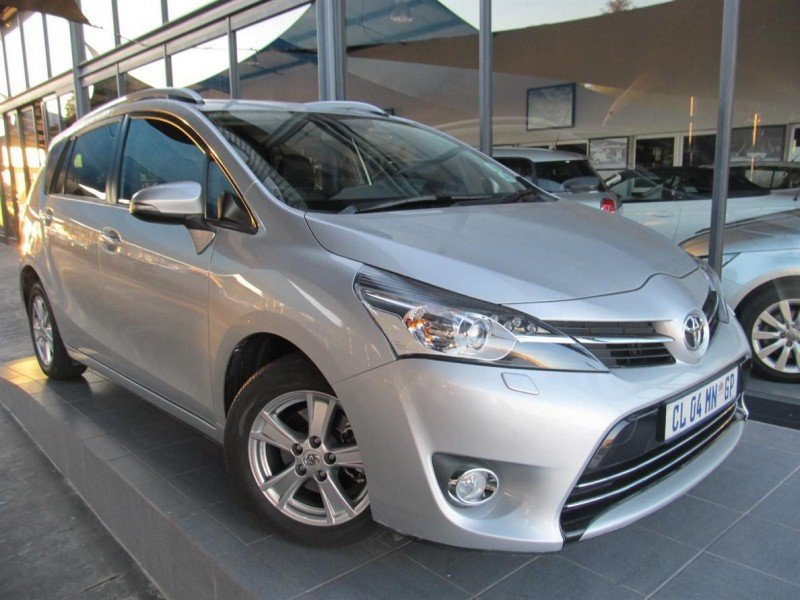 Toyota Verso 1.8 2013 photo - 1