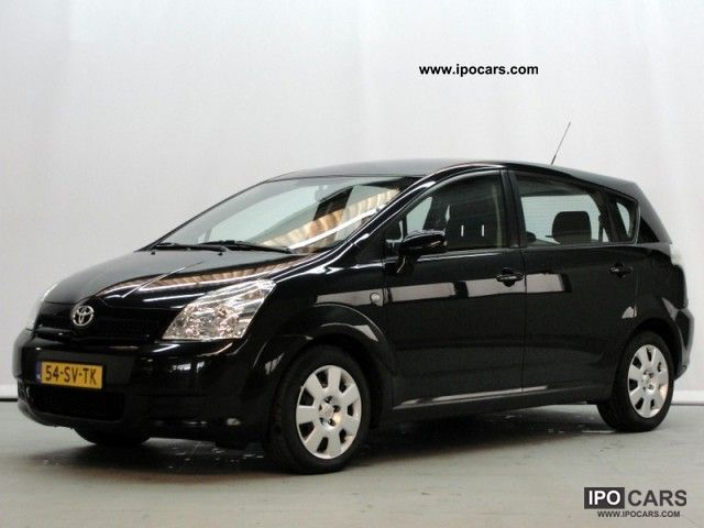Toyota Verso 2.2 2011 photo - 5