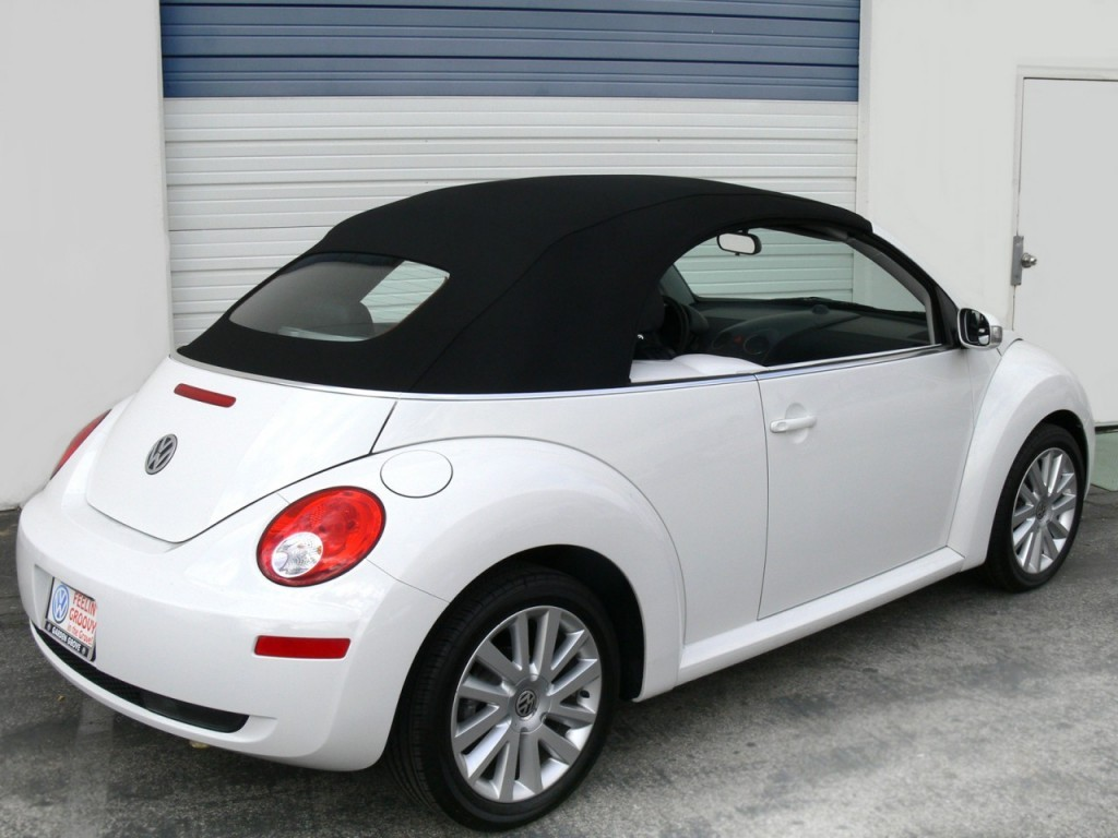 Volkswagen Beetle 1.2 2010 photo - 8