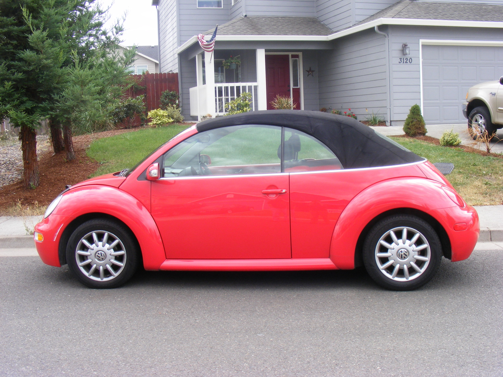 Volkswagen Beetle 2.0 2010 photo - 5
