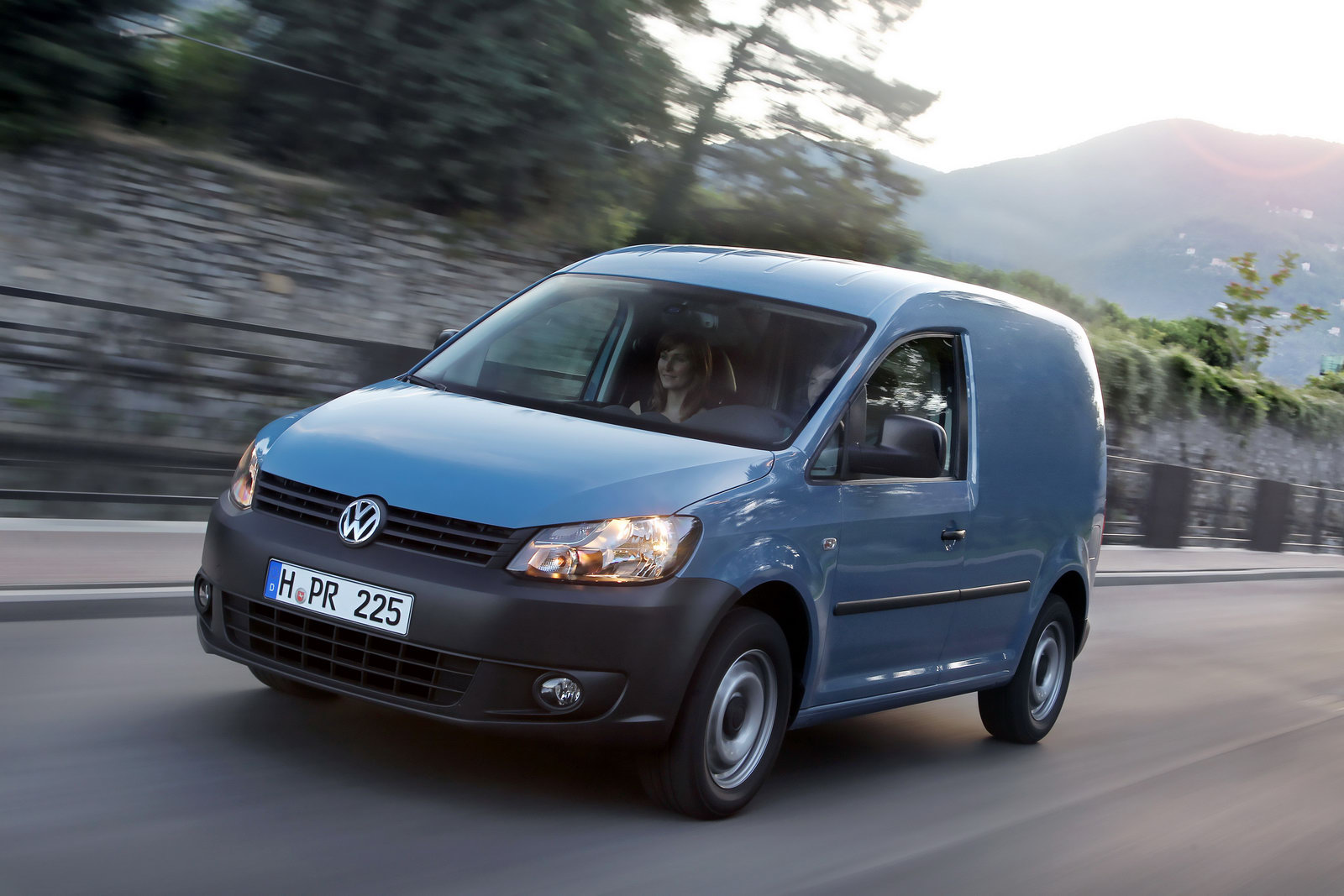 Volkswagen Caddy 1.9 2013 photo - 3