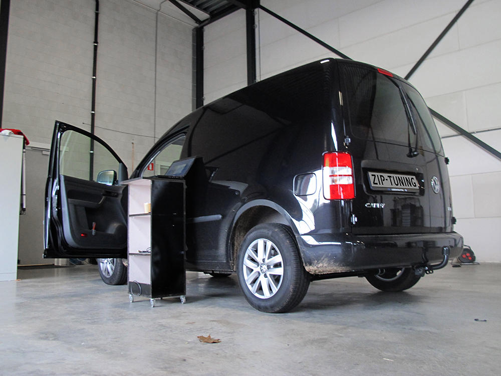 Volkswagen Caddy 2.0 2010 photo - 11