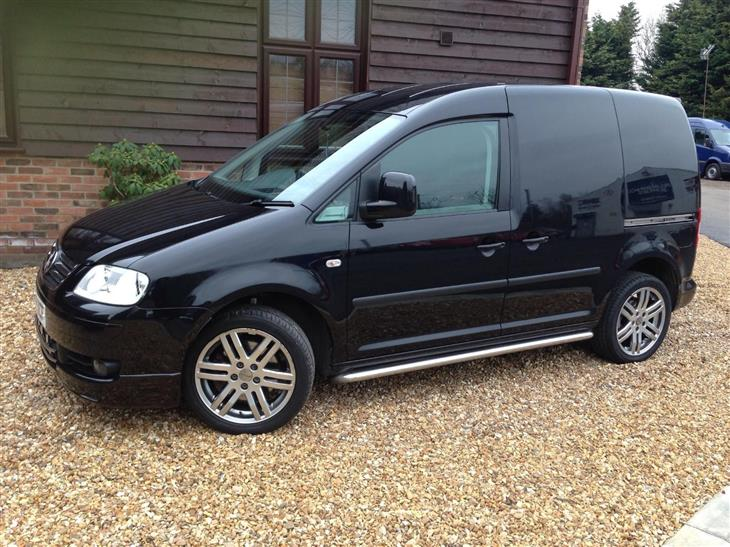 Volkswagen Caddy 2.0 2010 photo - 6