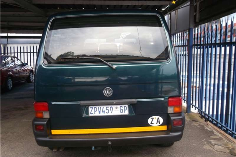 Volkswagen Caravelle 1.9 2000 photo - 1