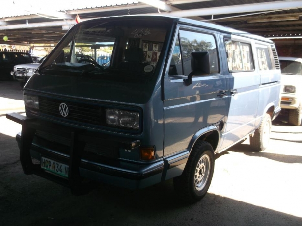 Volkswagen Caravelle 1.9 2000 photo - 3