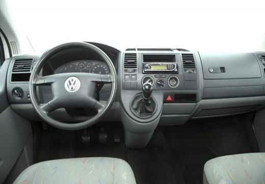 Volkswagen Caravelle 1.9 2000 photo - 4
