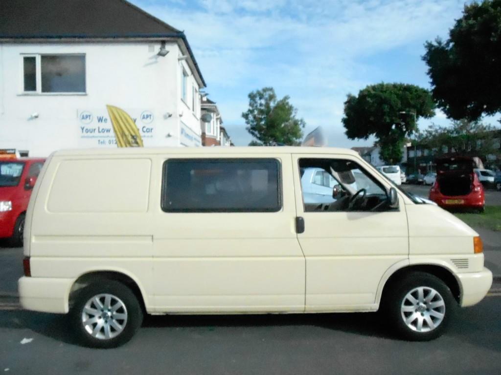 Volkswagen Caravelle 1.9 2000 photo - 8