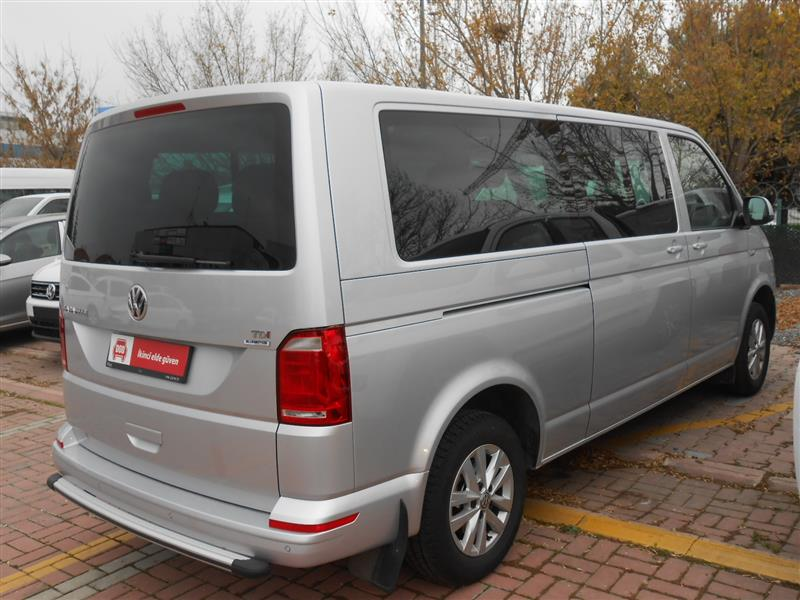 Volkswagen Caravelle 2.0 2002 photo - 7