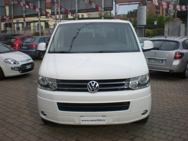 Volkswagen Caravelle 2.0 2002 photo - 8