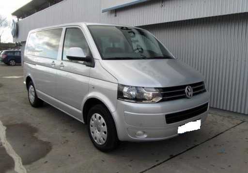 Volkswagen Caravelle 2.0 2002 photo - 9