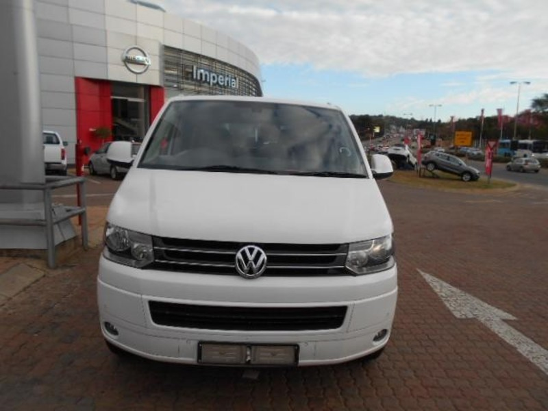 Volkswagen Caravelle 2.0 2011 photo - 1