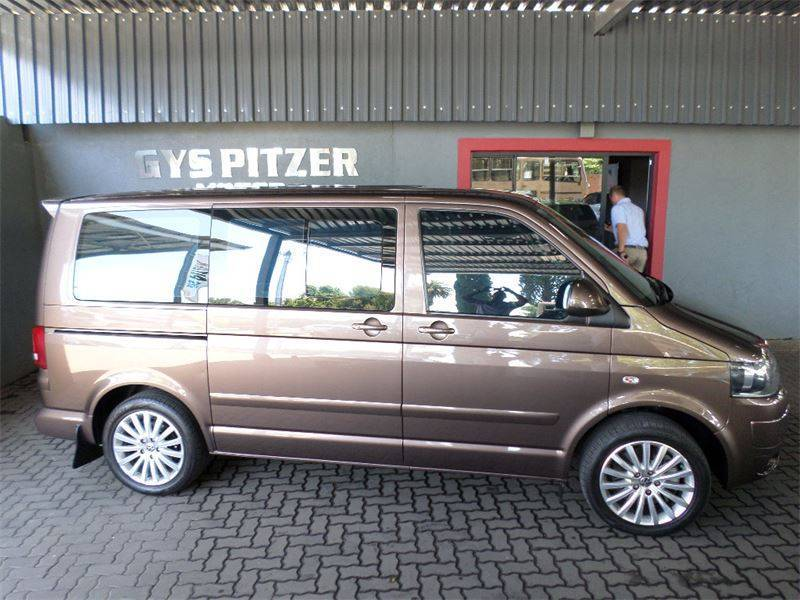 Volkswagen Caravelle 2.0 2011 photo - 3
