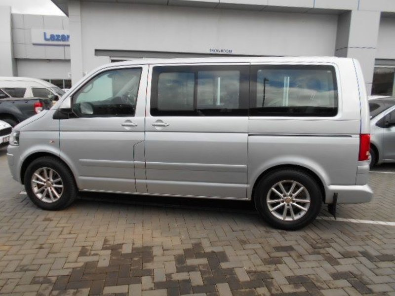 Volkswagen Caravelle 2.0 2011 photo - 5