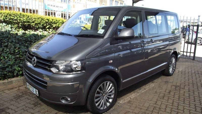 Volkswagen Caravelle 2.0 2011 photo - 7