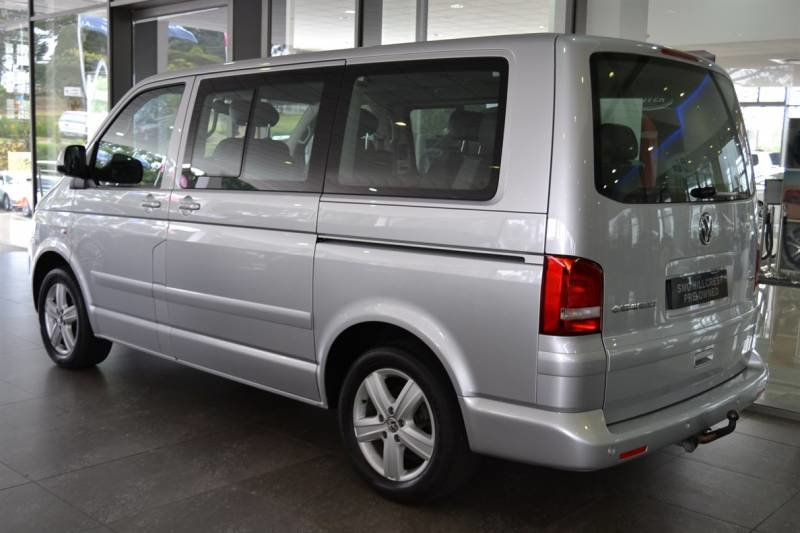Volkswagen Caravelle 2.0 2011 photo - 8