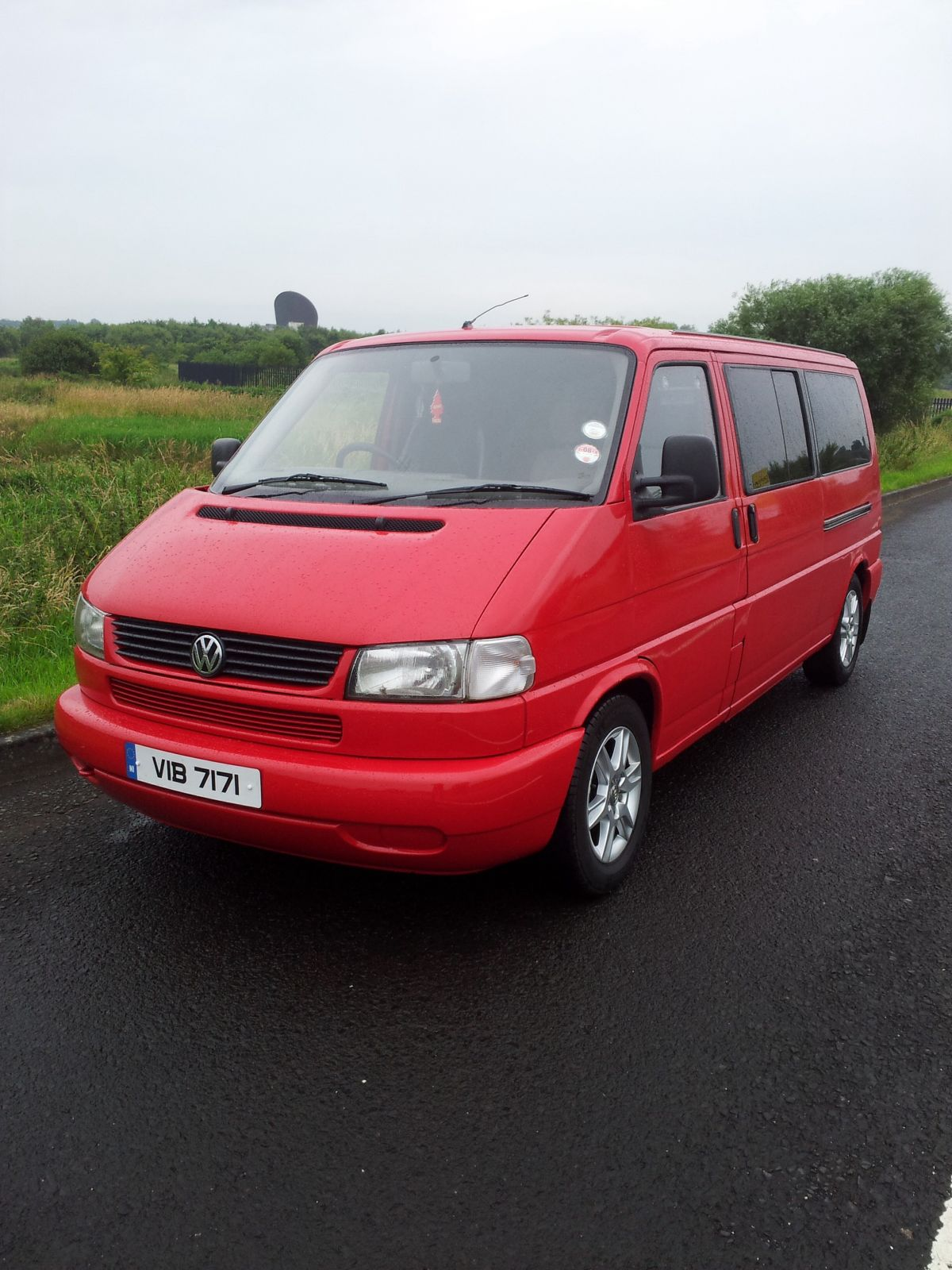 Volkswagen Caravelle 2.4 1997 photo - 1