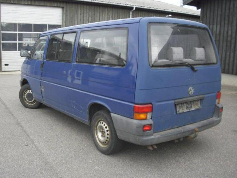 Volkswagen Caravelle 2.4 1997 photo - 9