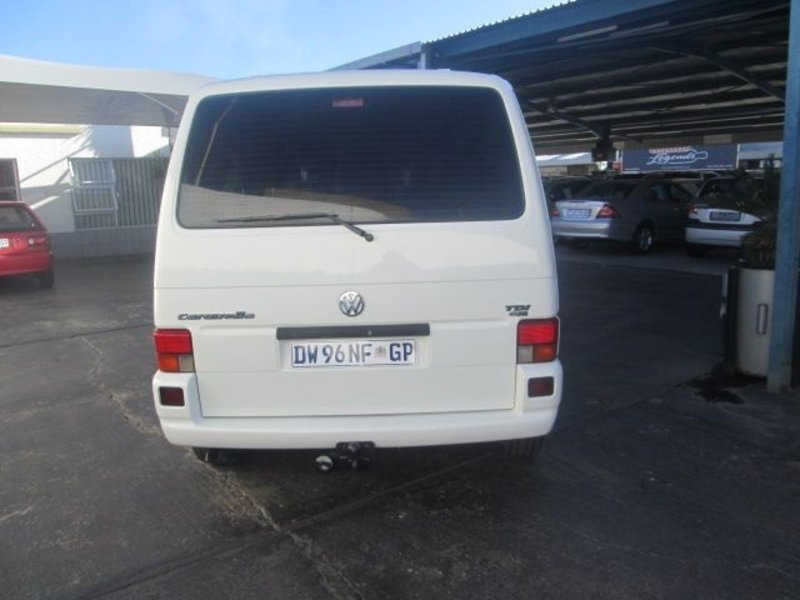 Volkswagen Caravelle 2.5 2003 photo - 12