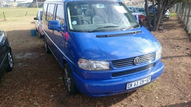 Volkswagen Caravelle 2.5 2003 photo - 9