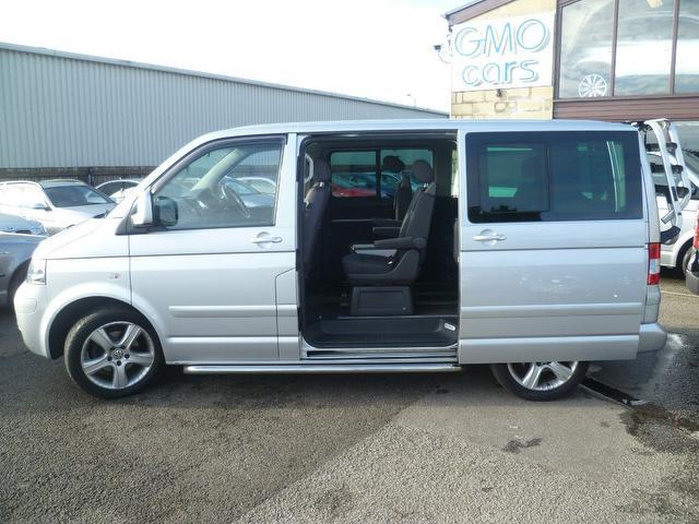 Volkswagen Caravelle 2.5 2008 photo - 11
