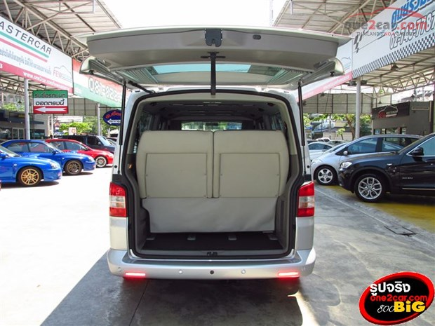 Volkswagen Caravelle 3.2 2009 photo - 7