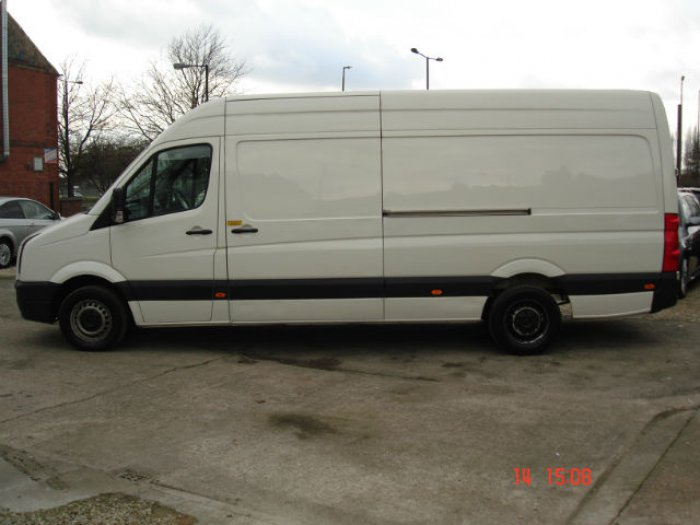 Volkswagen Crafter 2.5 2007 photo - 9