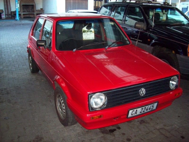 Volkswagen Golf 1.3 1999 photo - 9