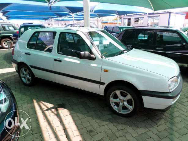 Volkswagen Golf 1.6 1998 photo - 12
