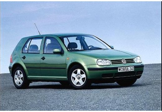 Volkswagen Golf 1.6 2003 photo - 12