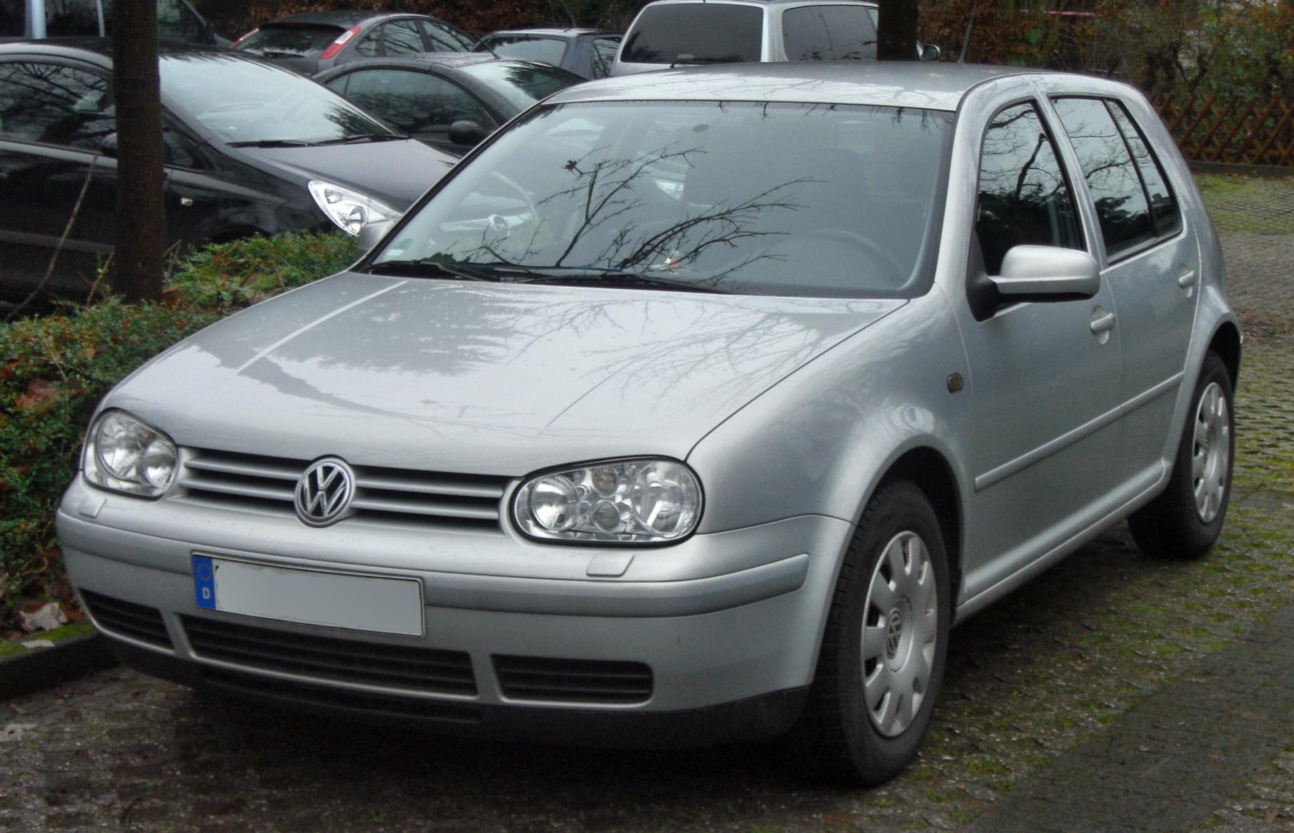 Volkswagen Golf 1.6 2003 photo - 2