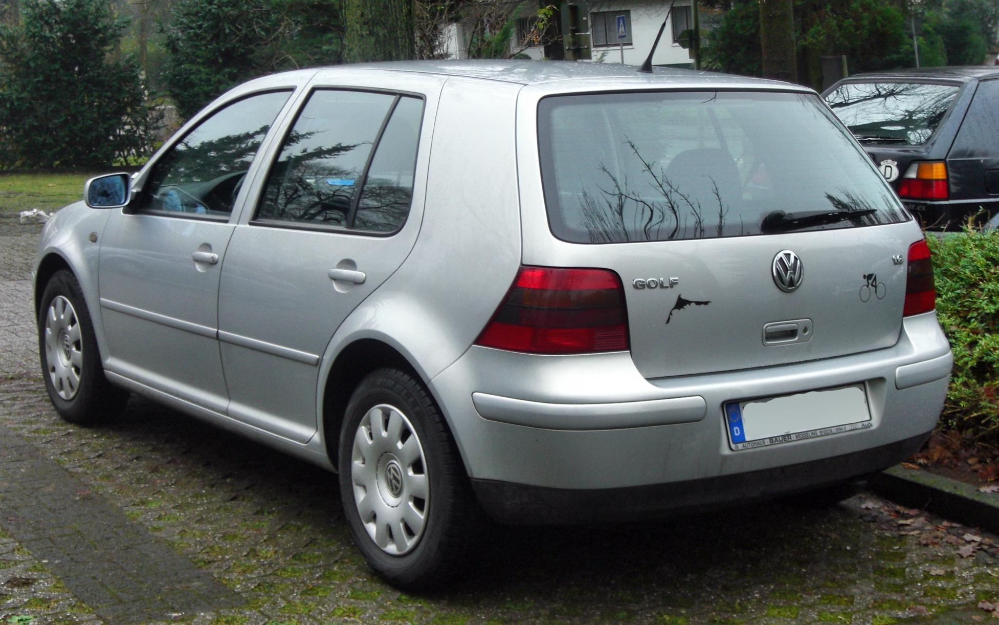 Volkswagen Golf 1.6 2003 photo - 7