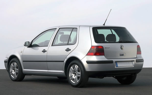 Volkswagen Golf 1.6 2004 photo - 12