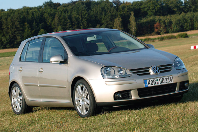 Volkswagen Golf 1.6 2004 photo - 3
