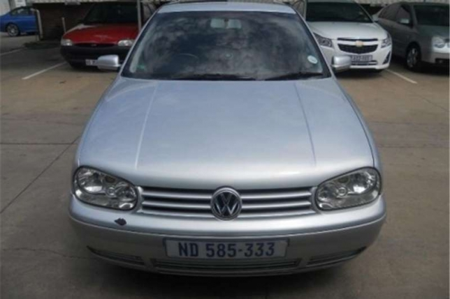Volkswagen Golf 1.6 2004 photo - 4