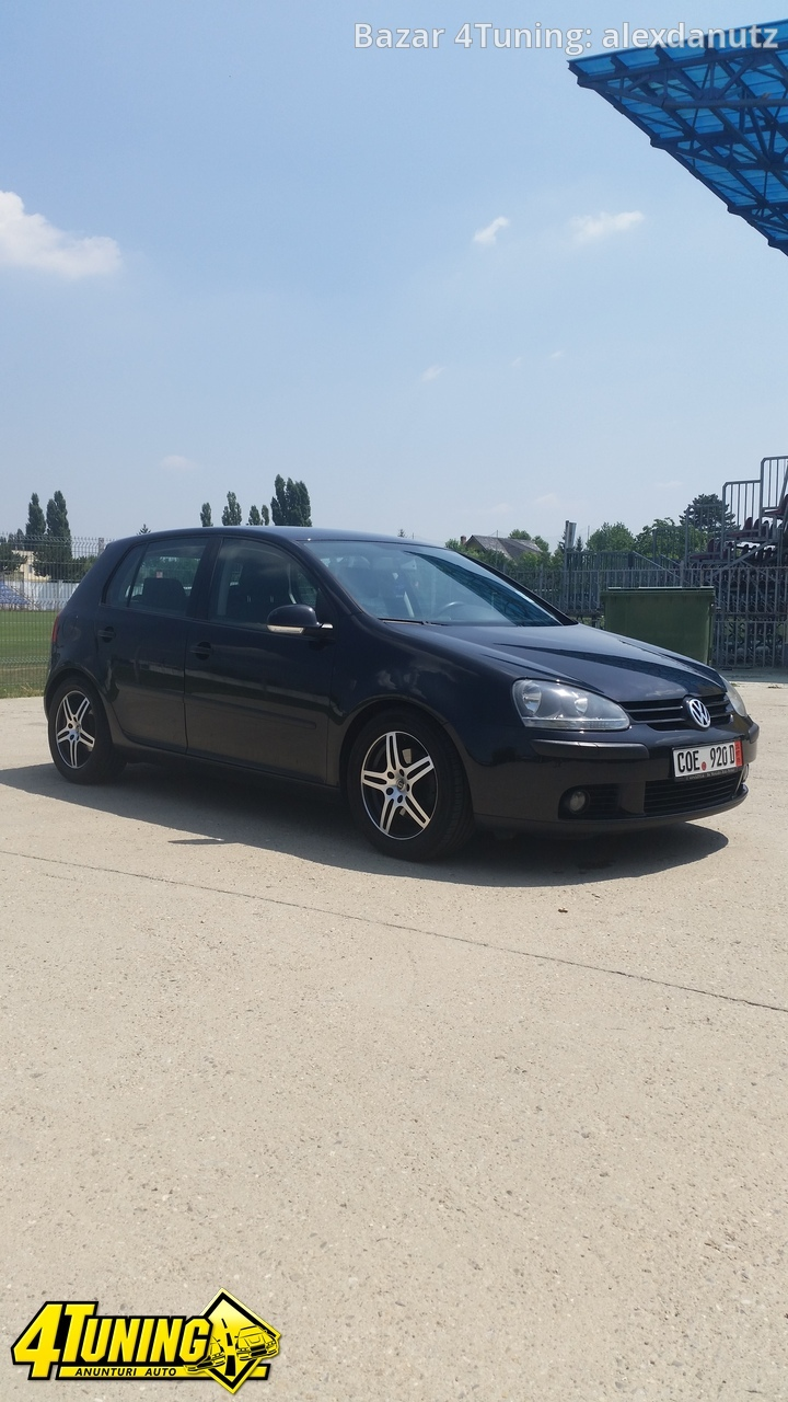 Volkswagen Golf 1.6 2004 photo - 5
