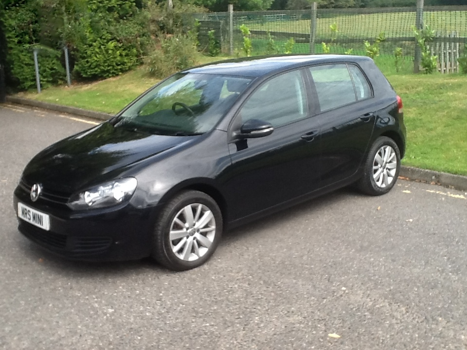 Volkswagen Golf 1.6 2010 photo - 2