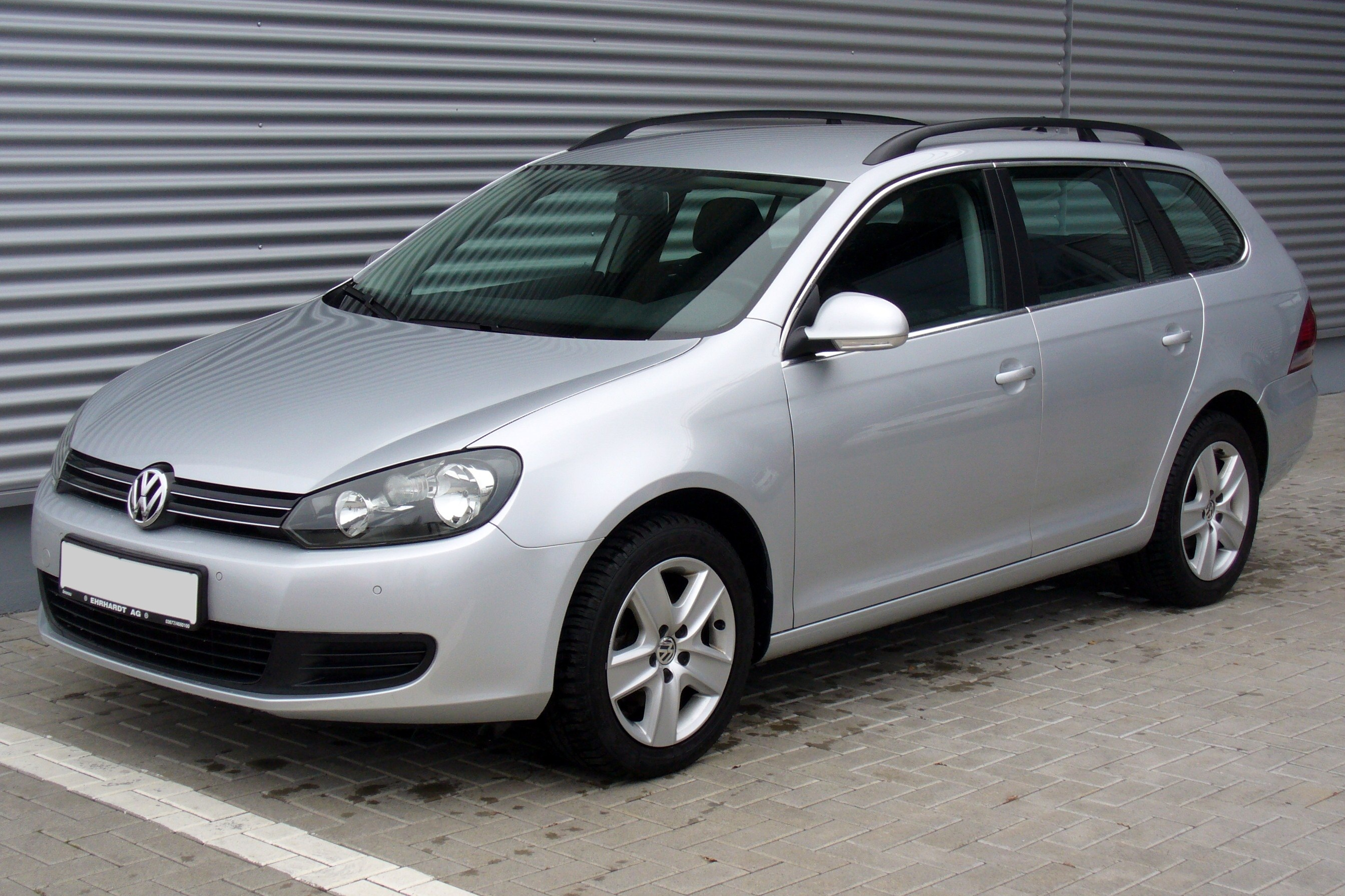 Volkswagen Golf 1.6 2010 photo - 9