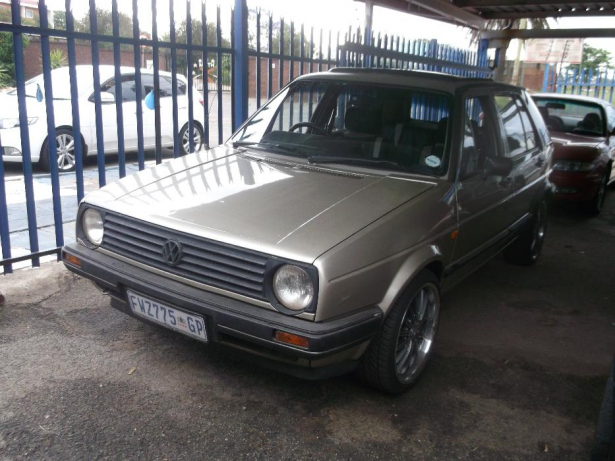 Volkswagen Golf 1.8 1986 photo - 10